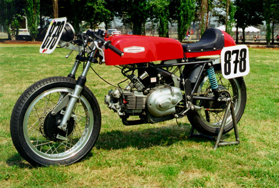 1972 Aermacchi Ala d'Oro restored by Paul Brodie