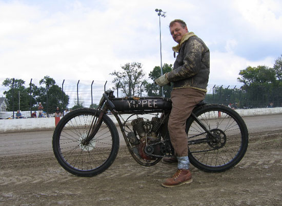Dan Statnekov on boardtracker. He knows boardtrack history well.