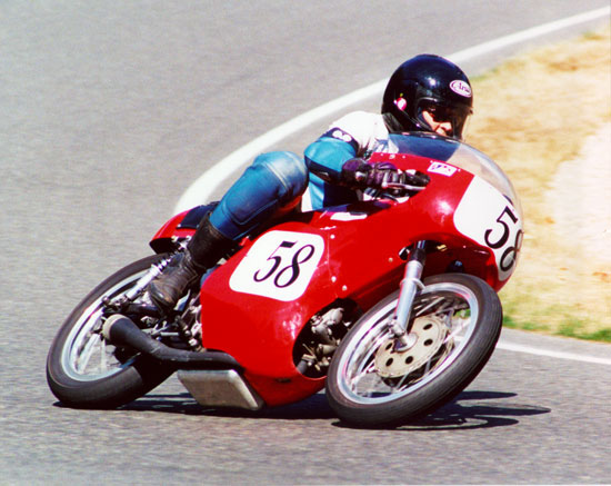 Paul Brodie racing 1972 Aermacchi 350
